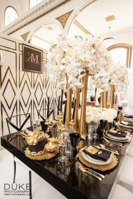 Luxurious Black And Gold Dining Room Ideas For Inspiration43