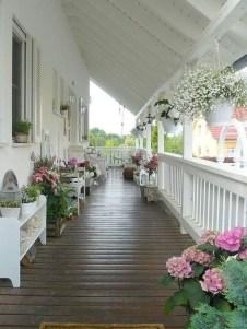 Luxury And Elegant Porch Design28