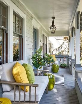 Luxury And Elegant Porch Design33