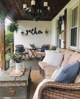 Luxury And Elegant Porch Design36