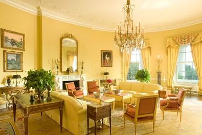 Extraordinary Yellow Living Room Ideas27