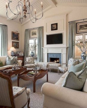 Magnifgicent Traditional Living Room Designs10