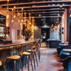 Barcelona Chairs Round Table 8 Best Hotel Bar