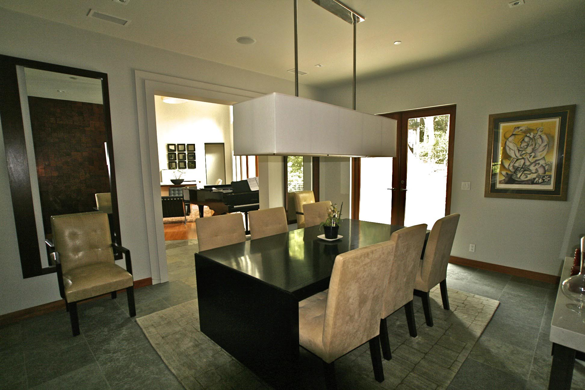 Dining Light Fixtures Make the Dining Room Bright and Warm