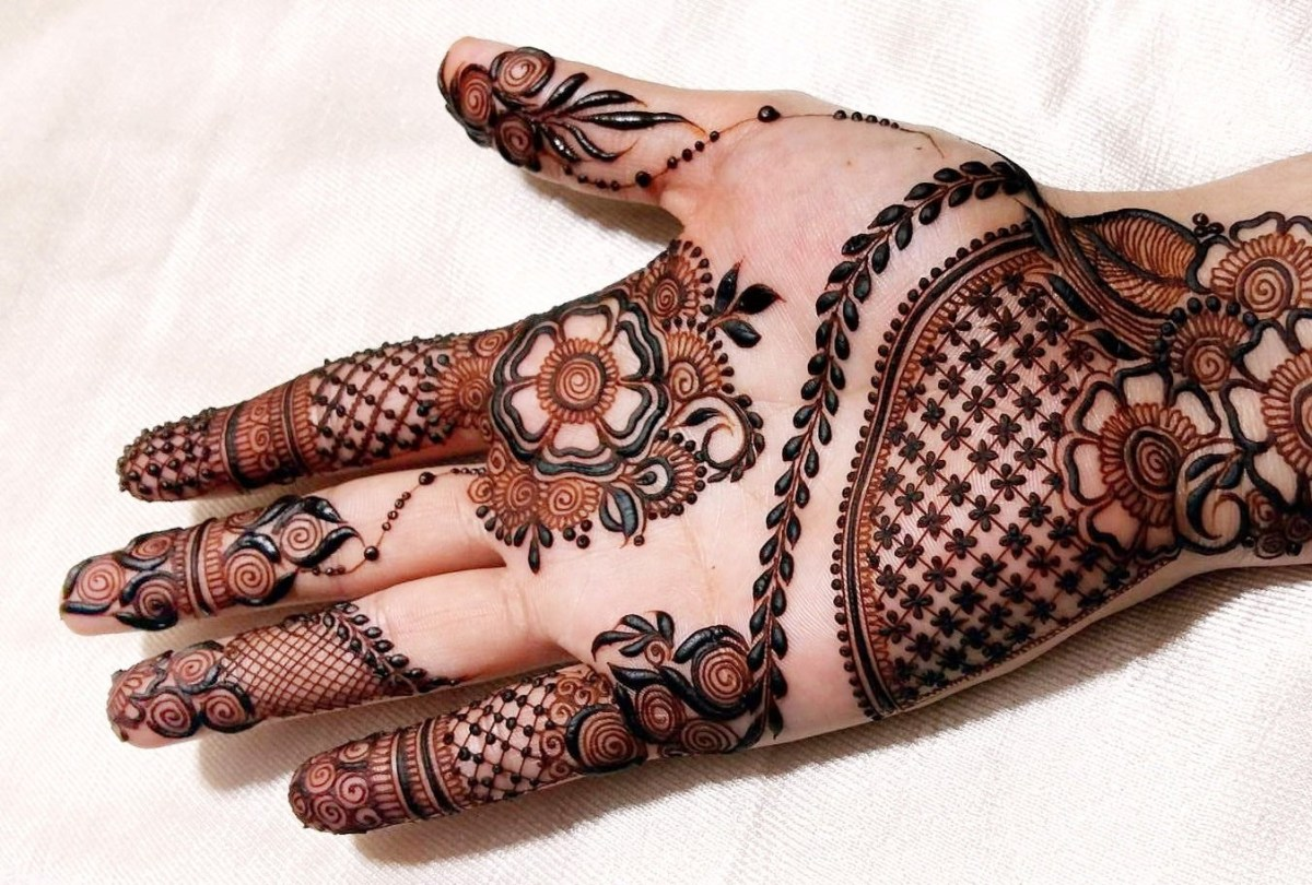 Arabic Designs for Hands with Flowers