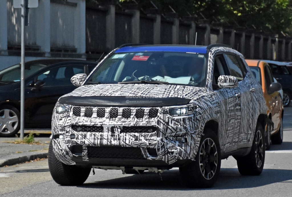2023 Jeep Grand Compass Pictures