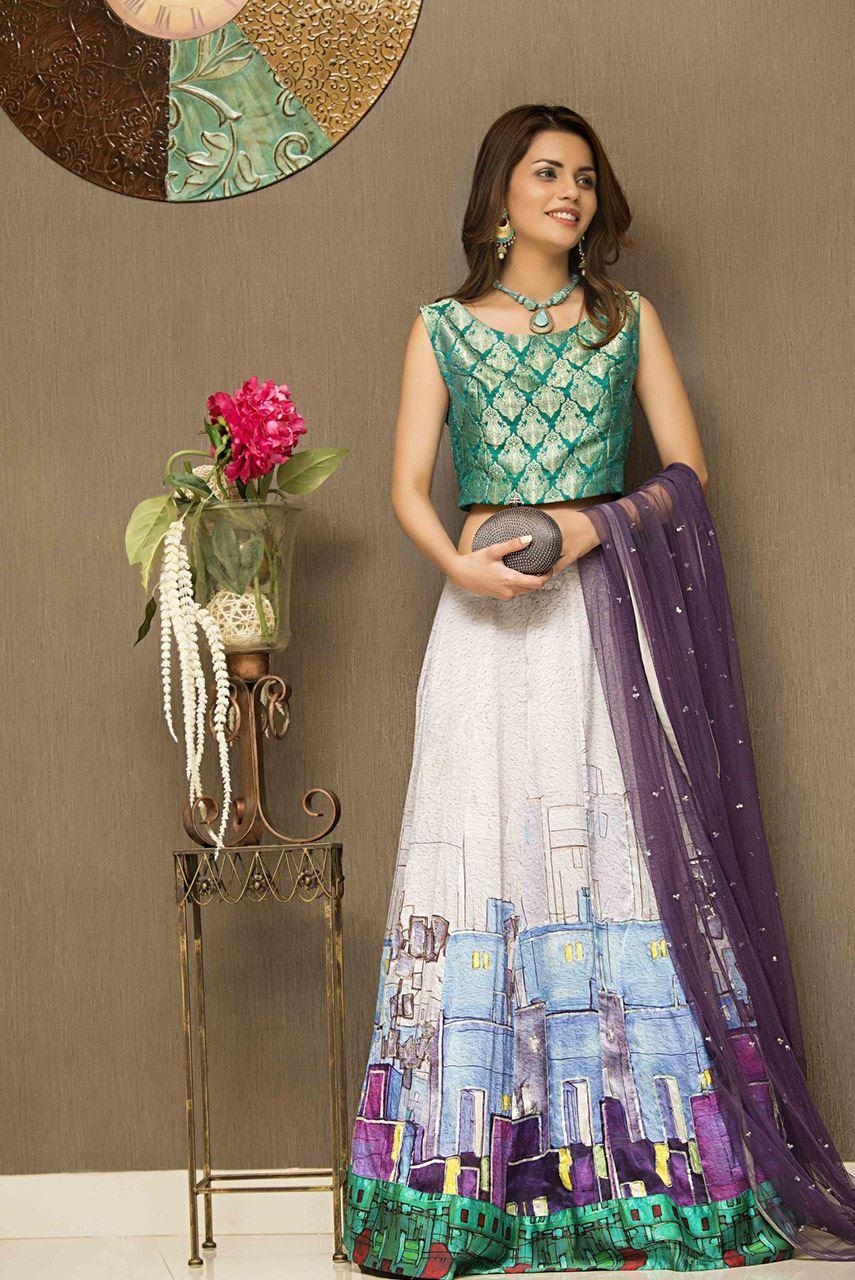 11 Simple Mehndi Outfits by Pakistani Designer Ayesha Ibrahim