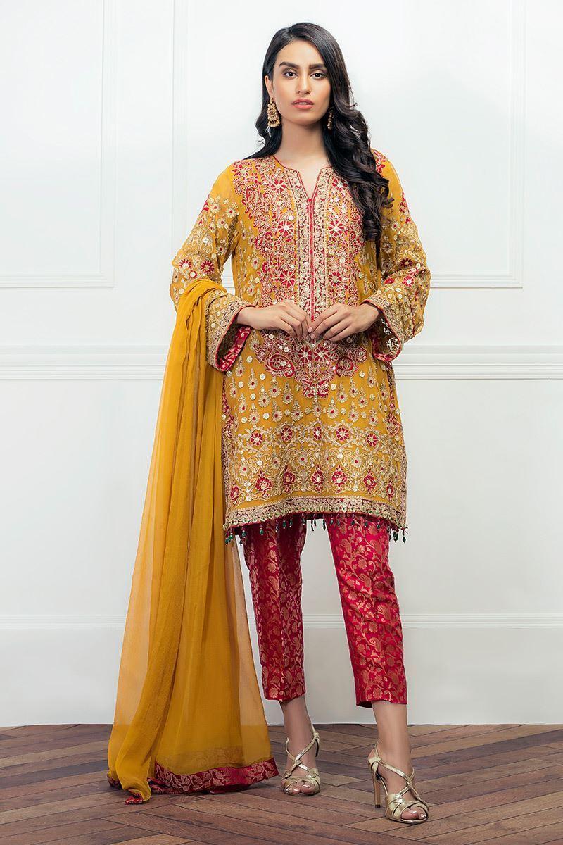 Yellow Mehndi Outfit by Aisha Imran