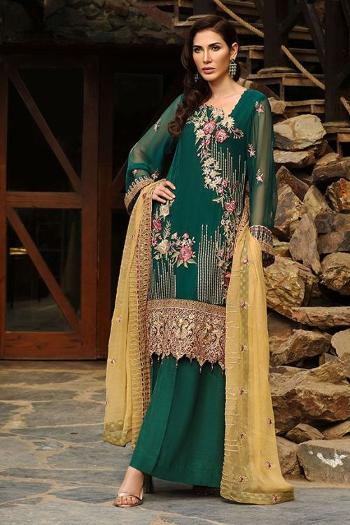 emerald green mehndi outfit by Motifs