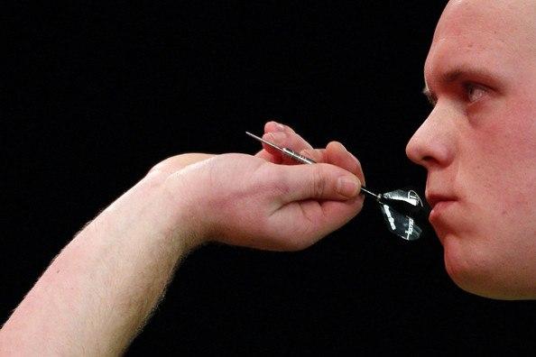 how-to-grip-a-dart