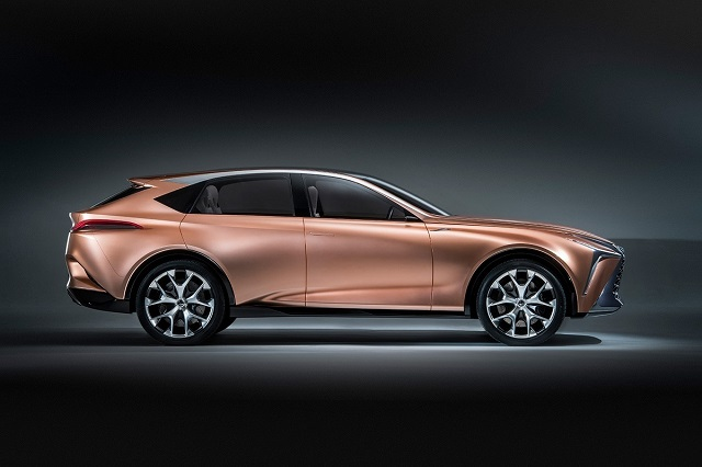 2022 Lexus LQ side view