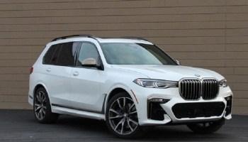 2022 BMW X7 featured