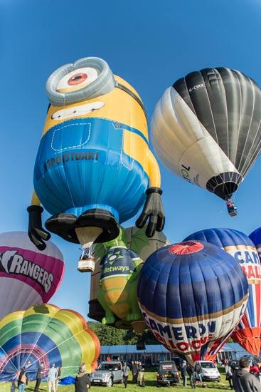 minion stuart balloon