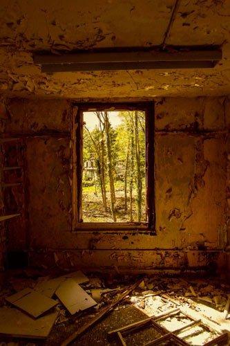 barrow gurney window