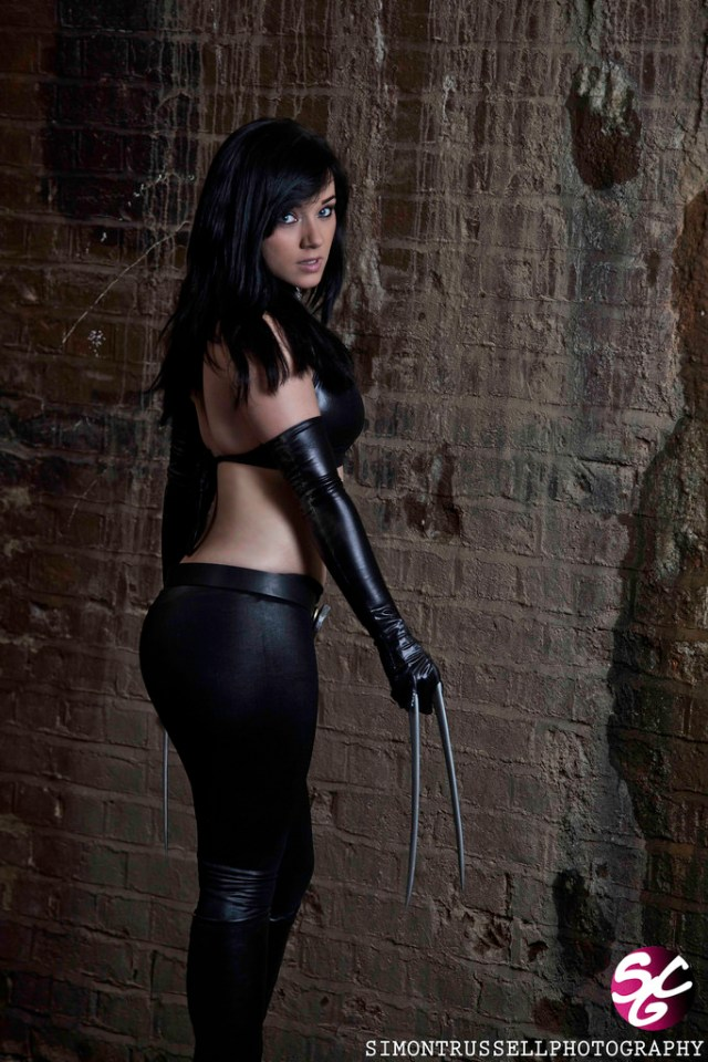 X-23 Cosplays Sexy Back