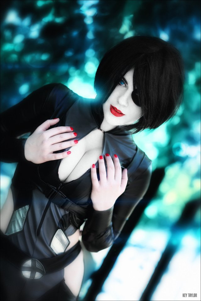 Domino Mind-Blowing Cosplay