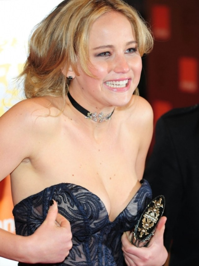 Jennifer Lawrence Shocking Smile