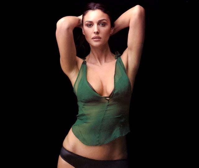 Monica Bellucci Sexy Pictures