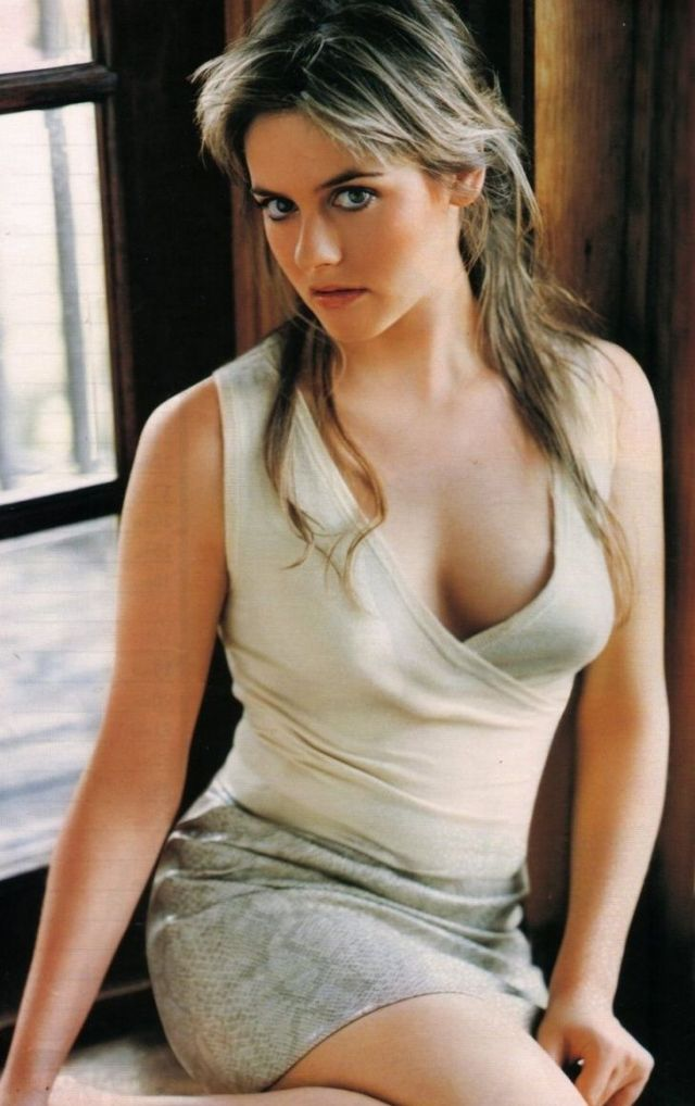 alicia-silverstone-naked-pictures