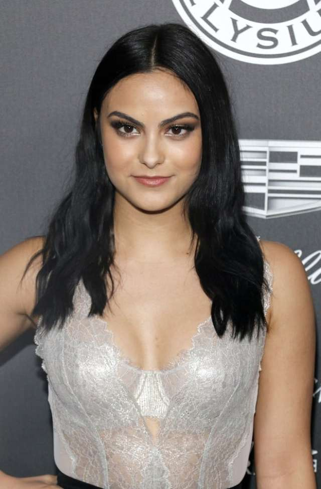 Camila Mendes Sexy Pictures