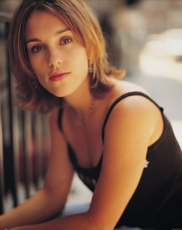 Amy Jo Johnson Angel