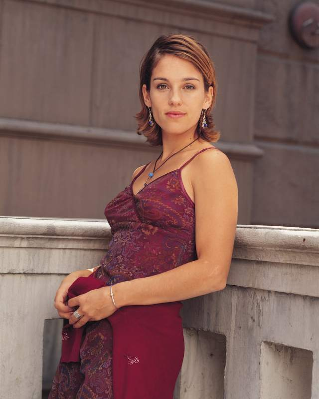 Amy Jo Johnson Photoshoots
