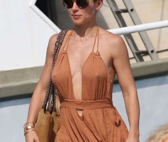 Elsa Pataky Hot Dress