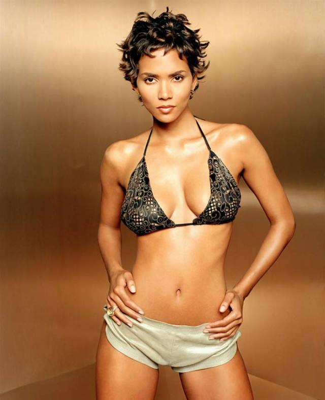 Halle-Berry-Sexy Pictures