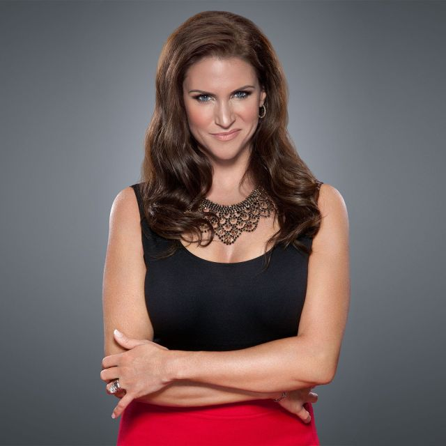stephanie-mcmahon-fake-boobs-huge-pics