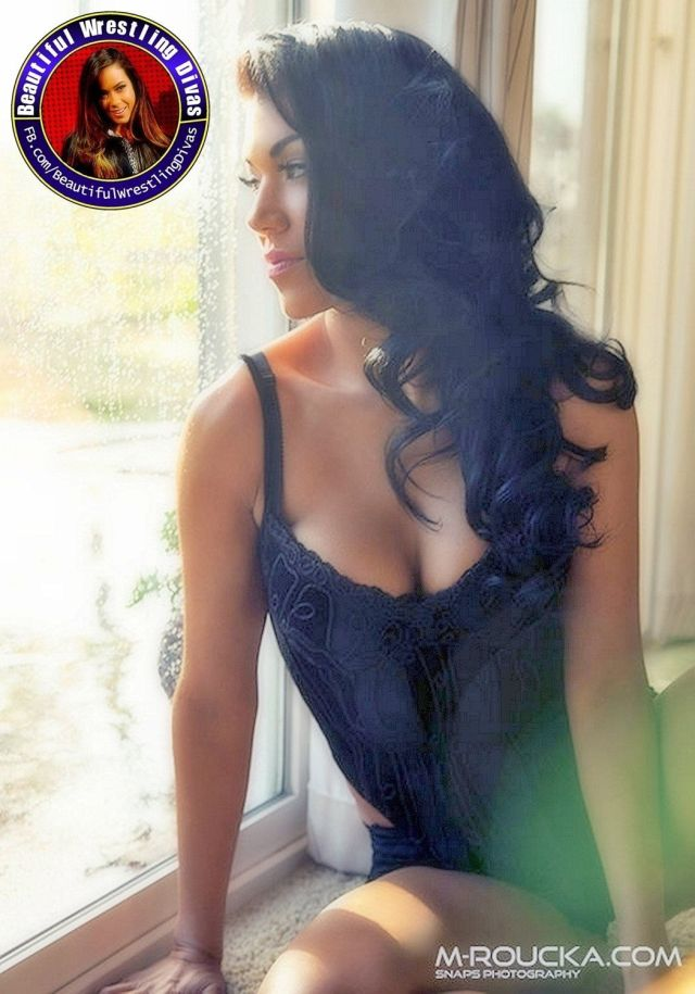 Rosa Mendes on Photoshoot