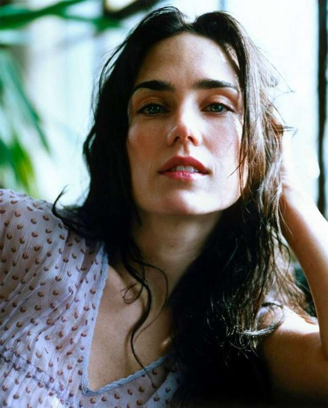 Jennifer Connelly Sexy Pictures