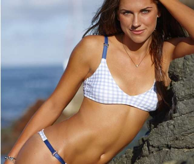 Hottest Alex Morgan Pictures That Are Too Hot To Handle