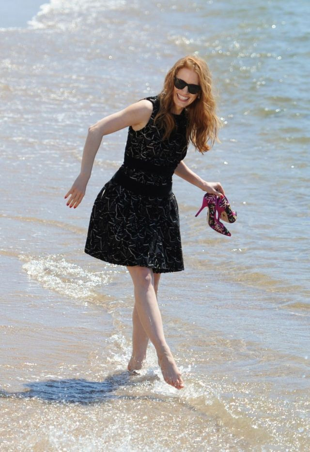 Jessica Chastain Beach Pictures