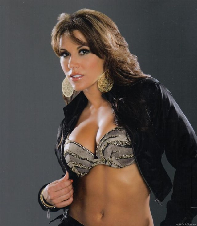 Mickie James Boobs