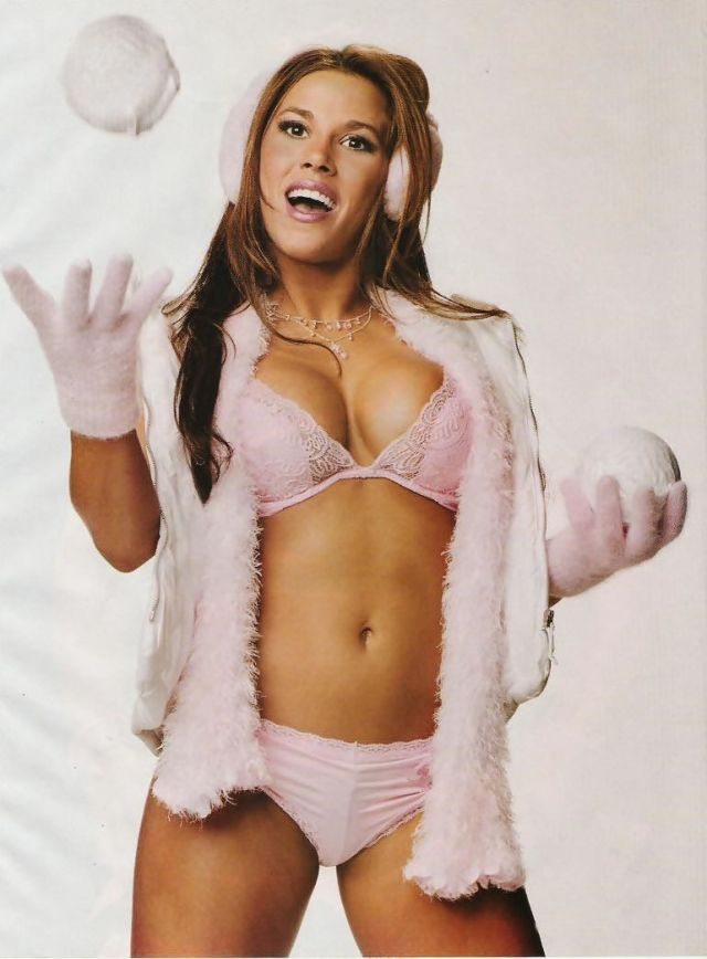 Mickie James Old Pics