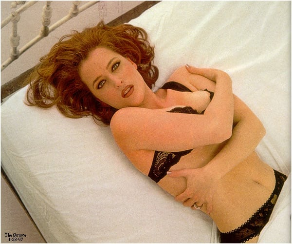 Film and TV review. - Page 4 Gillian-anderson-too-sexy