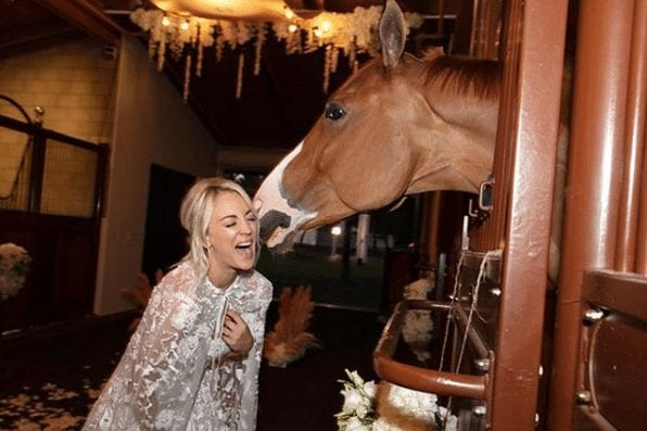 kaley cuoco horse lover