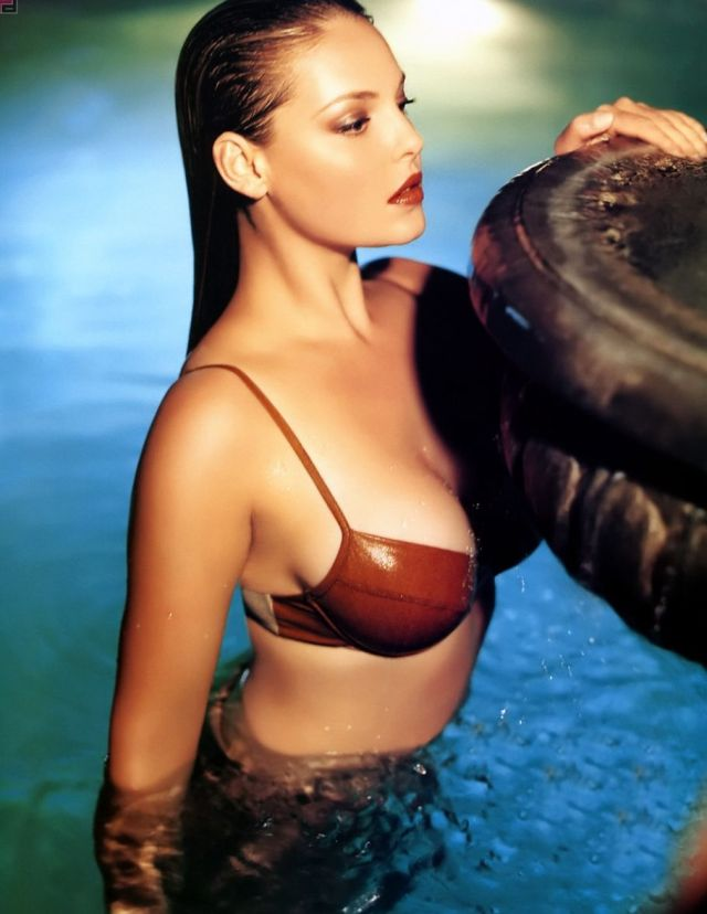 katherine heigl in the water