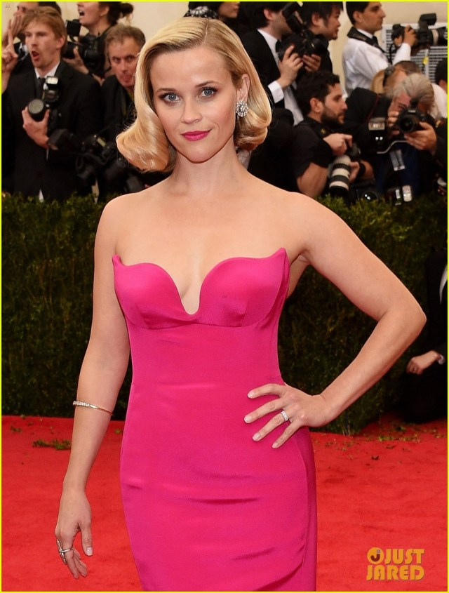 reese witherspoon pink dress