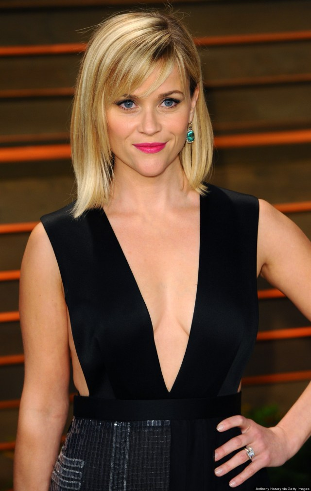 reese witherspoon sexy cleavage