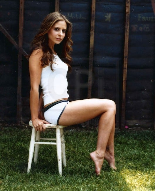 sarah michelle gellar hot feet