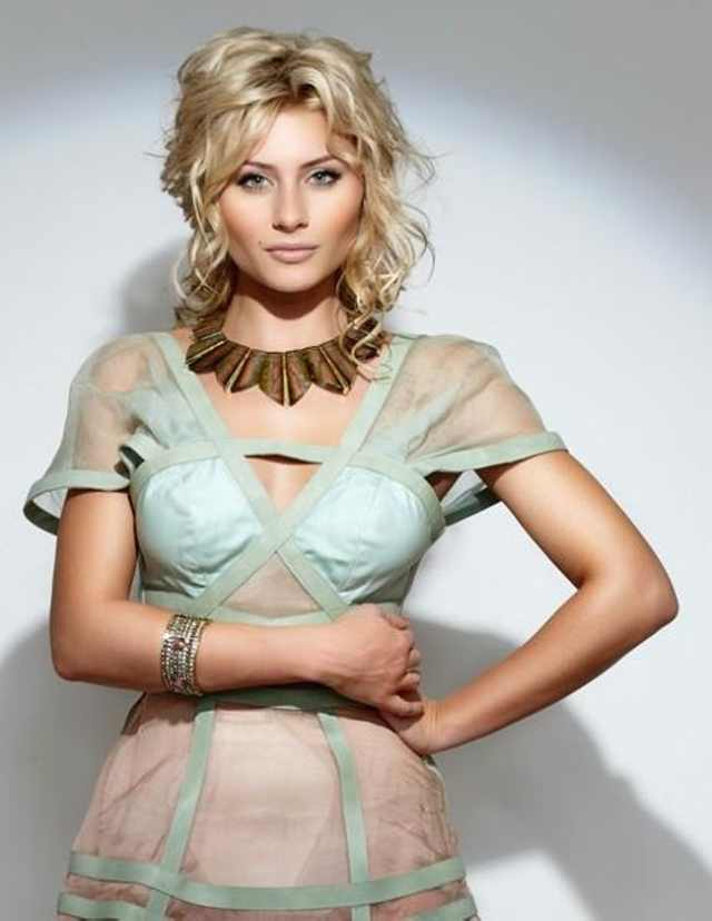 Aly Michalka Hot Pictures