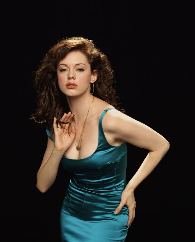 Rose McGowan Sexy Pictures