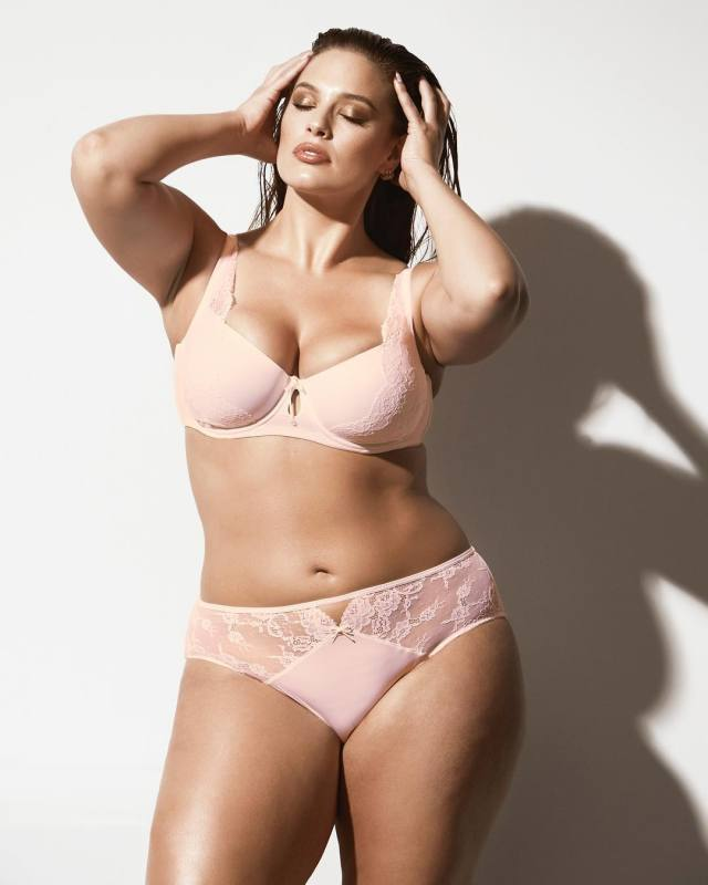 Ashley Graham Sexy Photoshoot