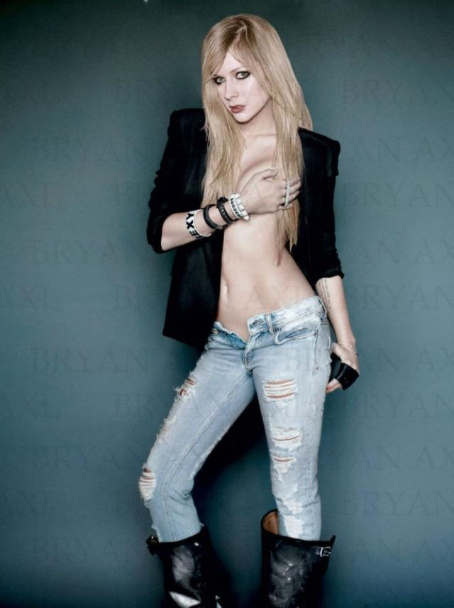 avril lavigne topless pictures