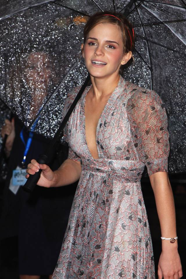 emma watson cleavage pictures