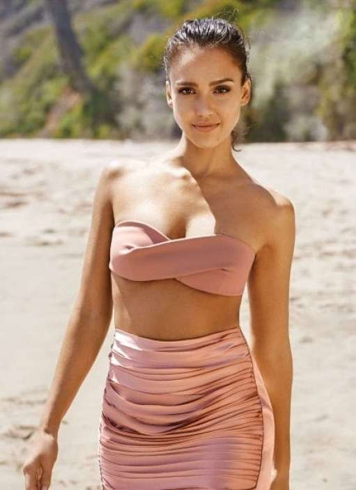 jessica alba awesome look