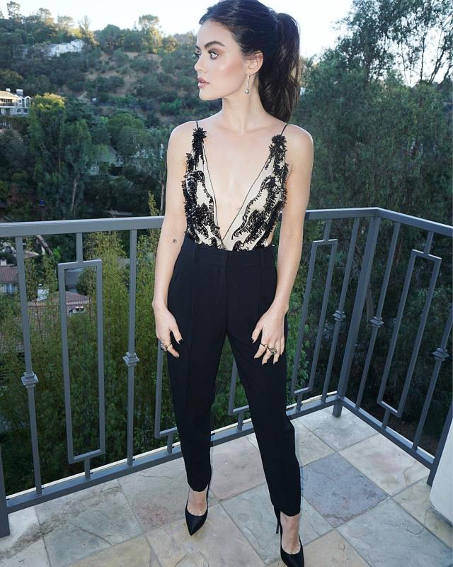 lucy hale cleavage pictures