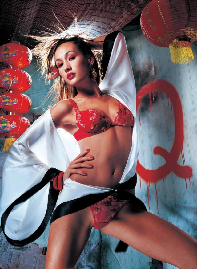 maggie q sexy look