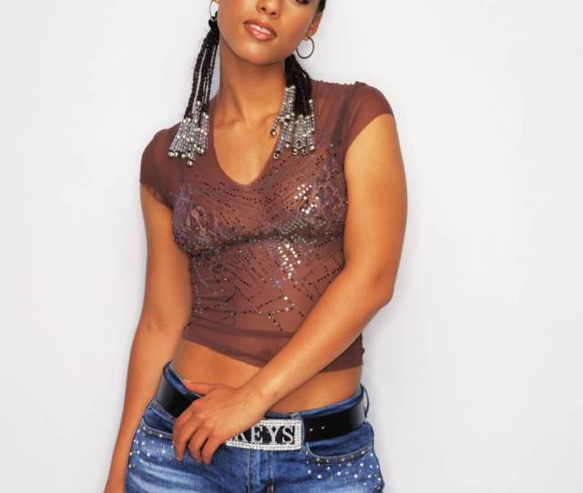 Hot And Sexy Pictures Of Alicia Keys One Of Sexiest Singers